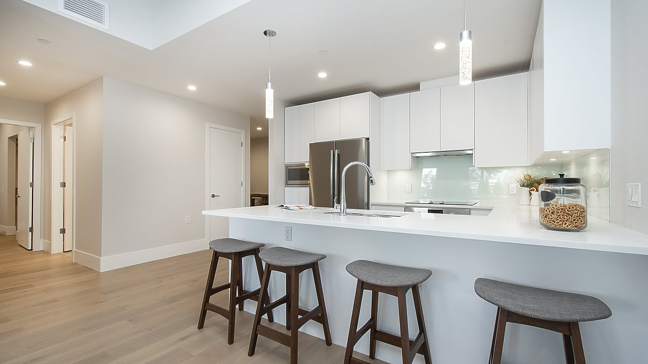 1591 Bowser Ave North Vancouver