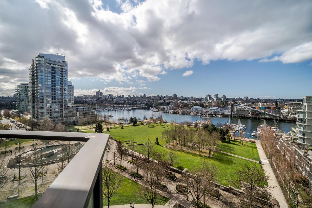 583 Beach Cres Vancouver